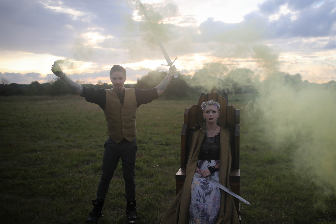 nature wedding - pagan wedding - ethereal wedding - spiritual wedding - alternative wedding - mystical wedding - quirky wedding - Britannia wedding - wedding smoke bomb