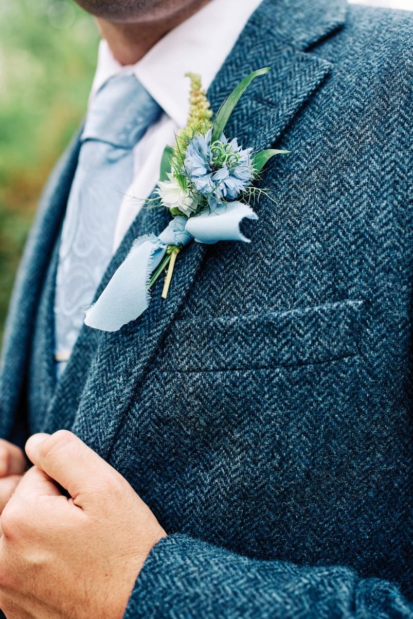nhs wedding - paramedic wedding - blue and gold wedding - outdoor wedding - micro wedding - surprise wedding - blue wedding buttonhole