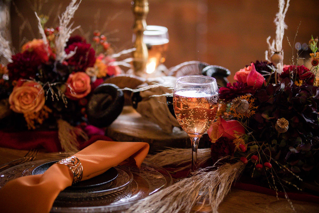autumn wedding inspiration - orange wedding decor - halloween wedding inspiration