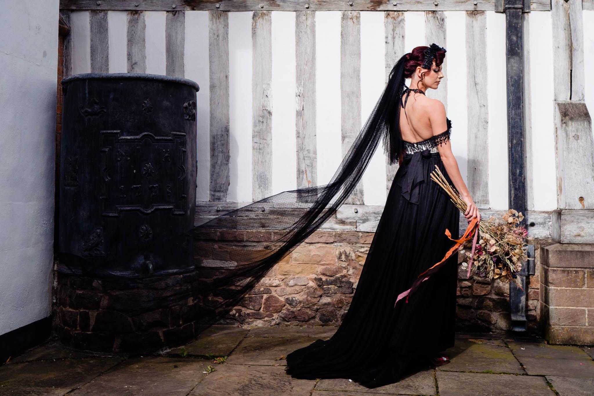 black wedding veil - black veil - black wedding dress - gothic bride - gothic wedding dress