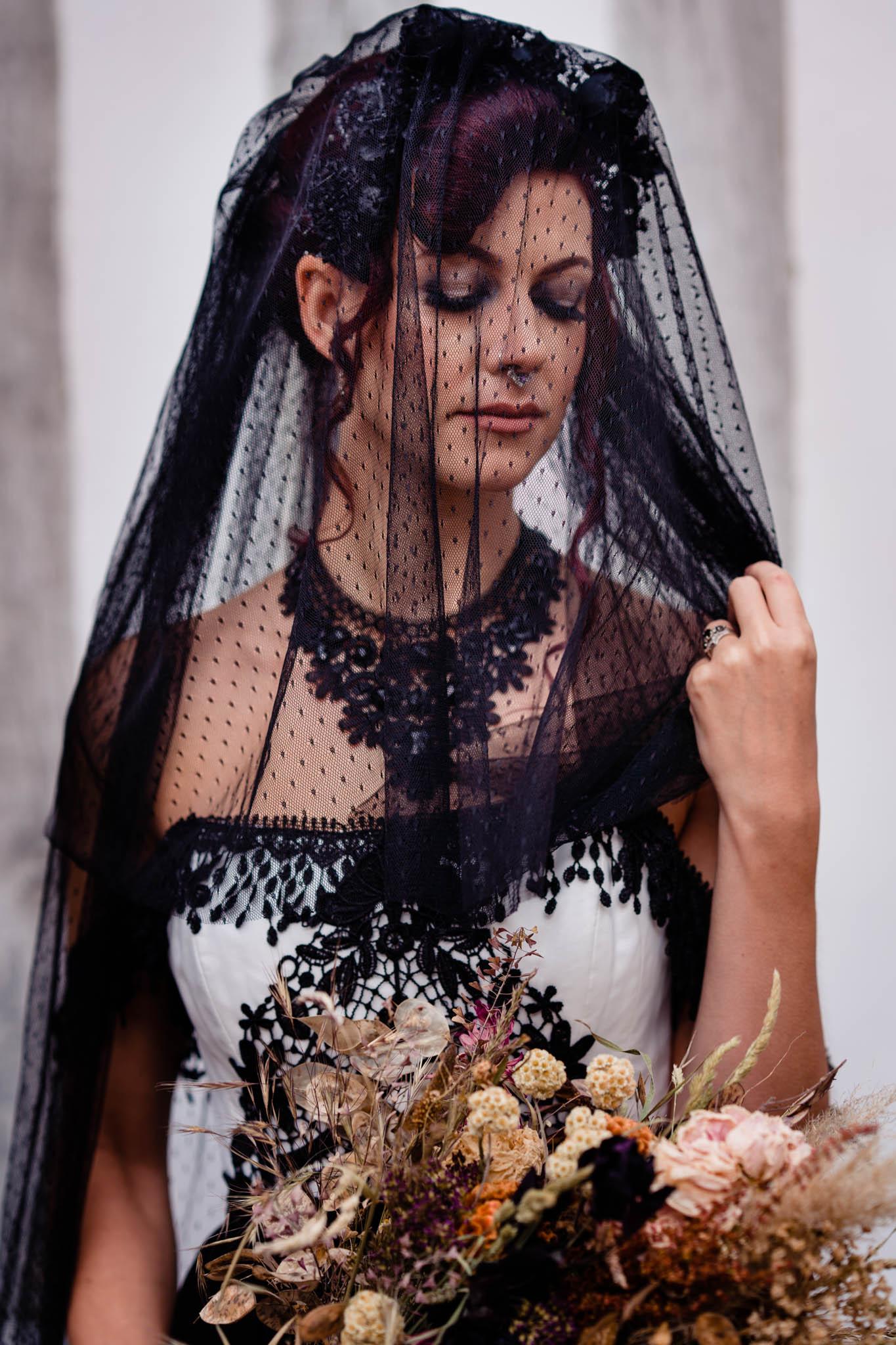 black bridal veil - black veil - black wedding dress - alternative wedding dress - elegant gothic wedding