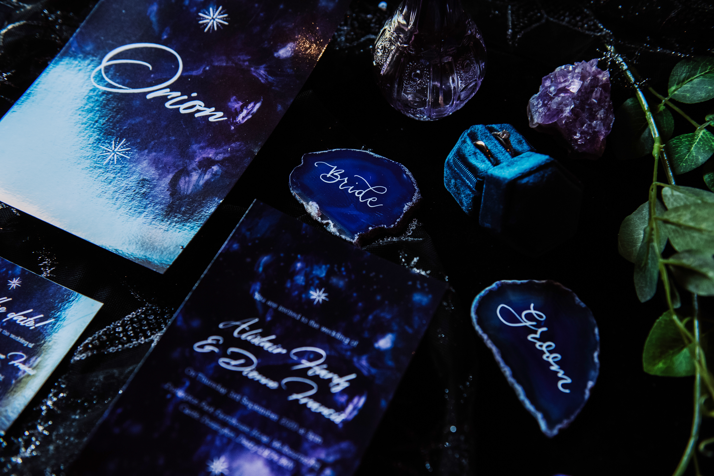 agate slices for wedding - crystal wedding place names - luxury galaxy wedding - galaxy wedding stationery