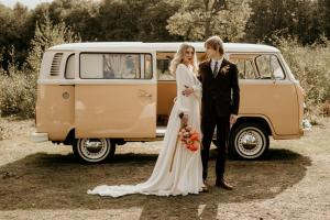 Buttercup Bus -mini_Campervan wedding boho -jessicalilyphotography