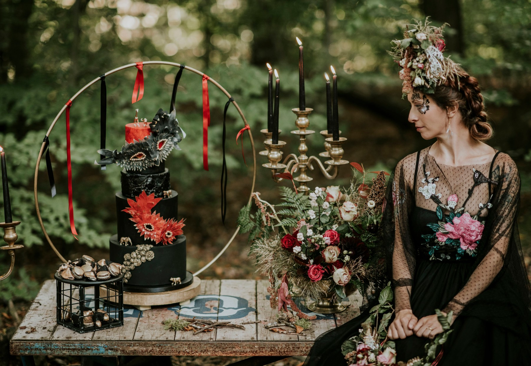 quirky circus wedding - black and red wedding cake - black wedding dress - alternative wedding decor