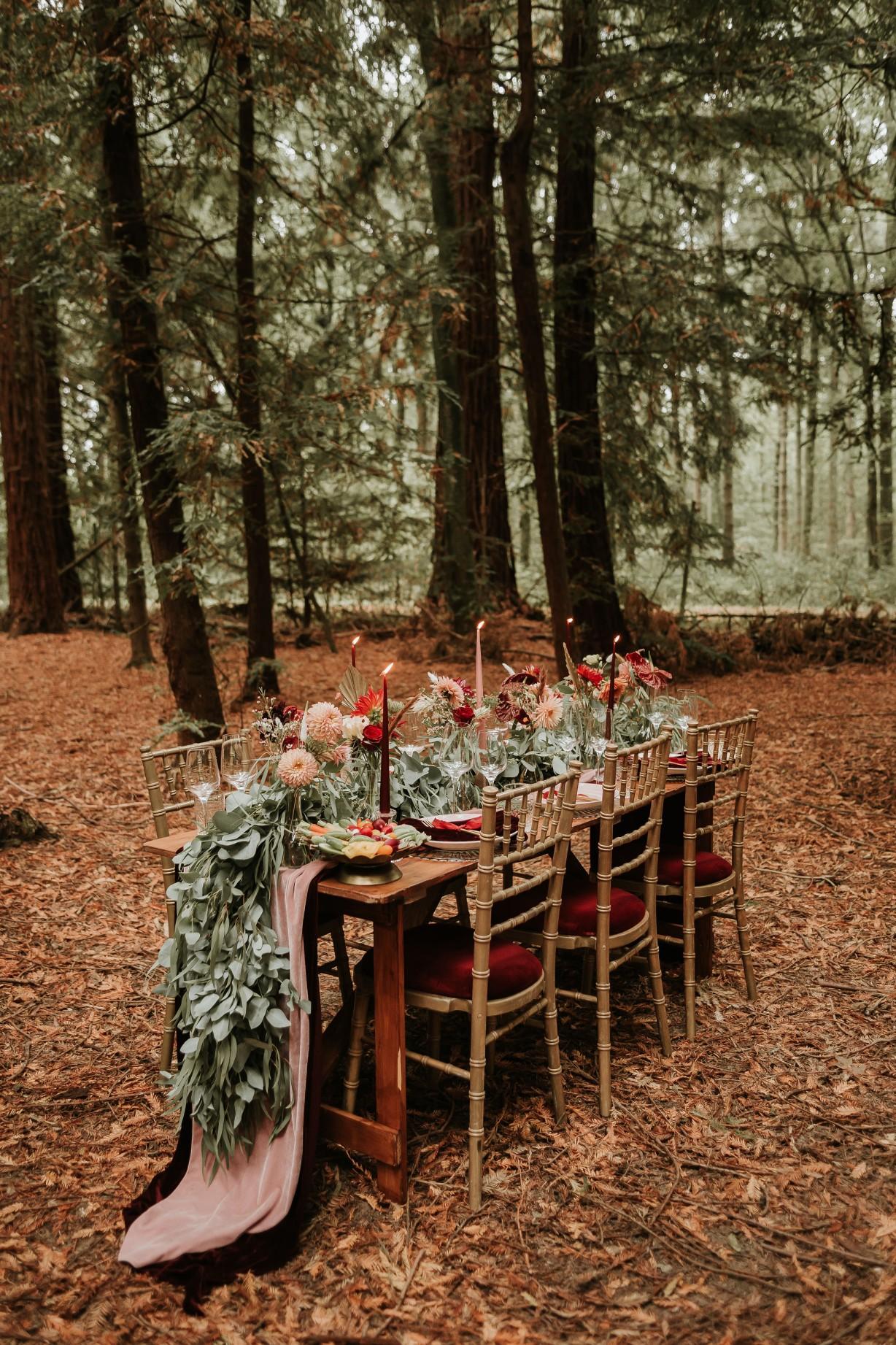 unique wedding table - modern woodland wedding - forest wedding table - small wedding inspiration - forest micro wedding