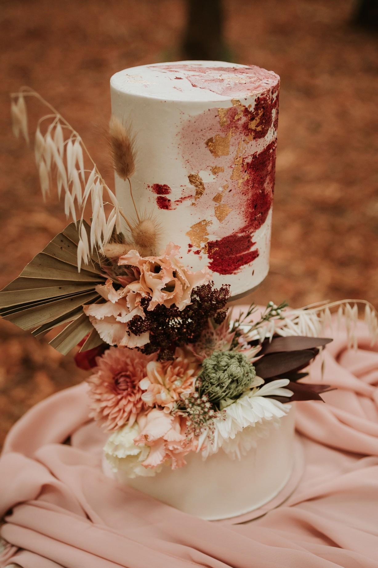 artistic wedding cake -alternative wedding cake - unique wedding cake - watercolour wedding cake - wedding cake art