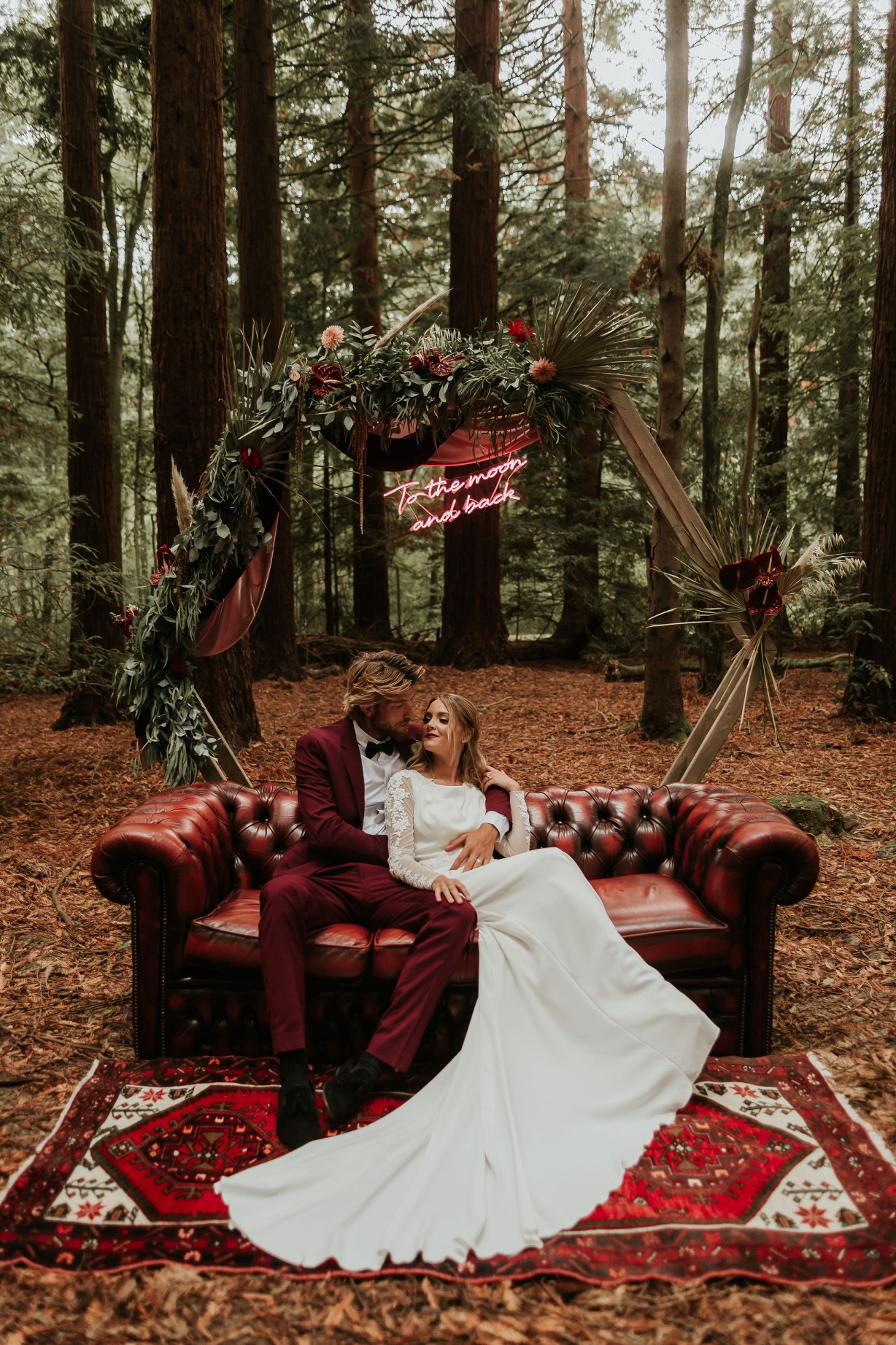 modern woodland wedding - forest wedding inspiration - modern boho wedding - modern wedding styling