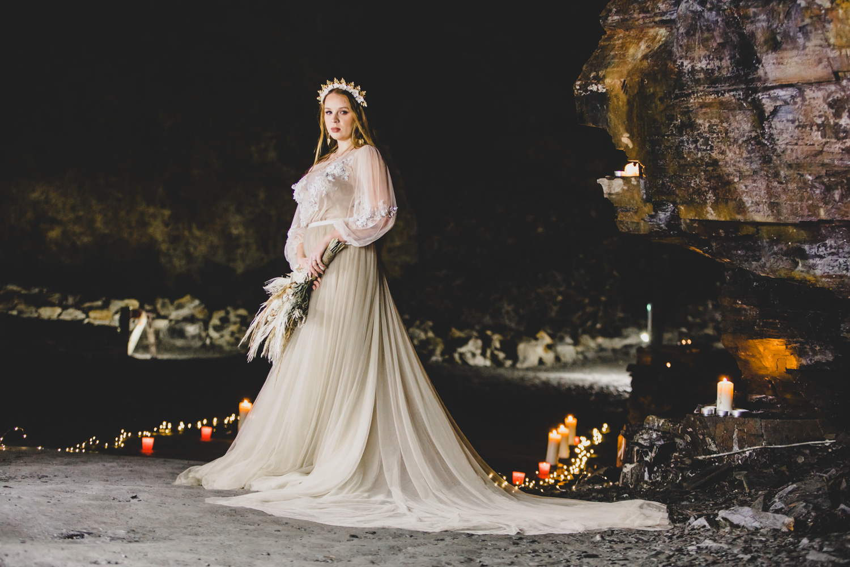 cave wedding - alternative wedding venue - unconventional wedding - candlelit wedding