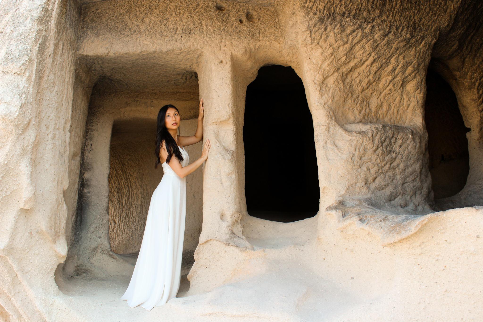 unique bridal photograph - Cappadocia wedding - beautiful elopement photography - Turkish elopement photoshoot -