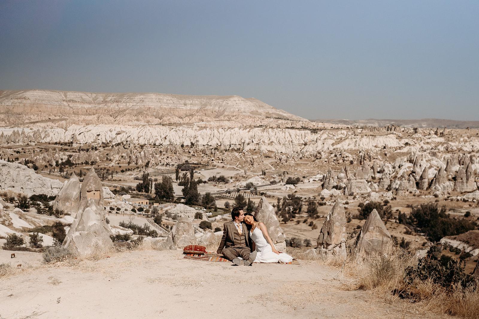 outdoor elopement -Cappadocia wedding - beautiful elopement photography - Turkish elopement photoshoot