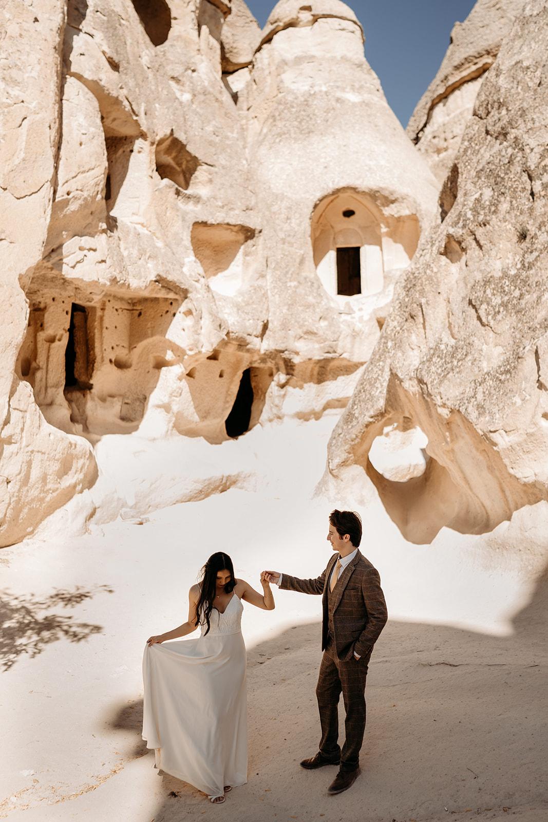 Cappadocia wedding - beautiful elopement photography - Turkish elopement photoshoot - stunning wedding location