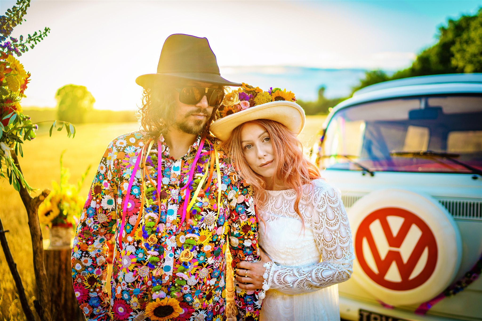 colourful bohemian wedding - 70s wedding - campervan wedding - hippie wedding - free spirited wedding