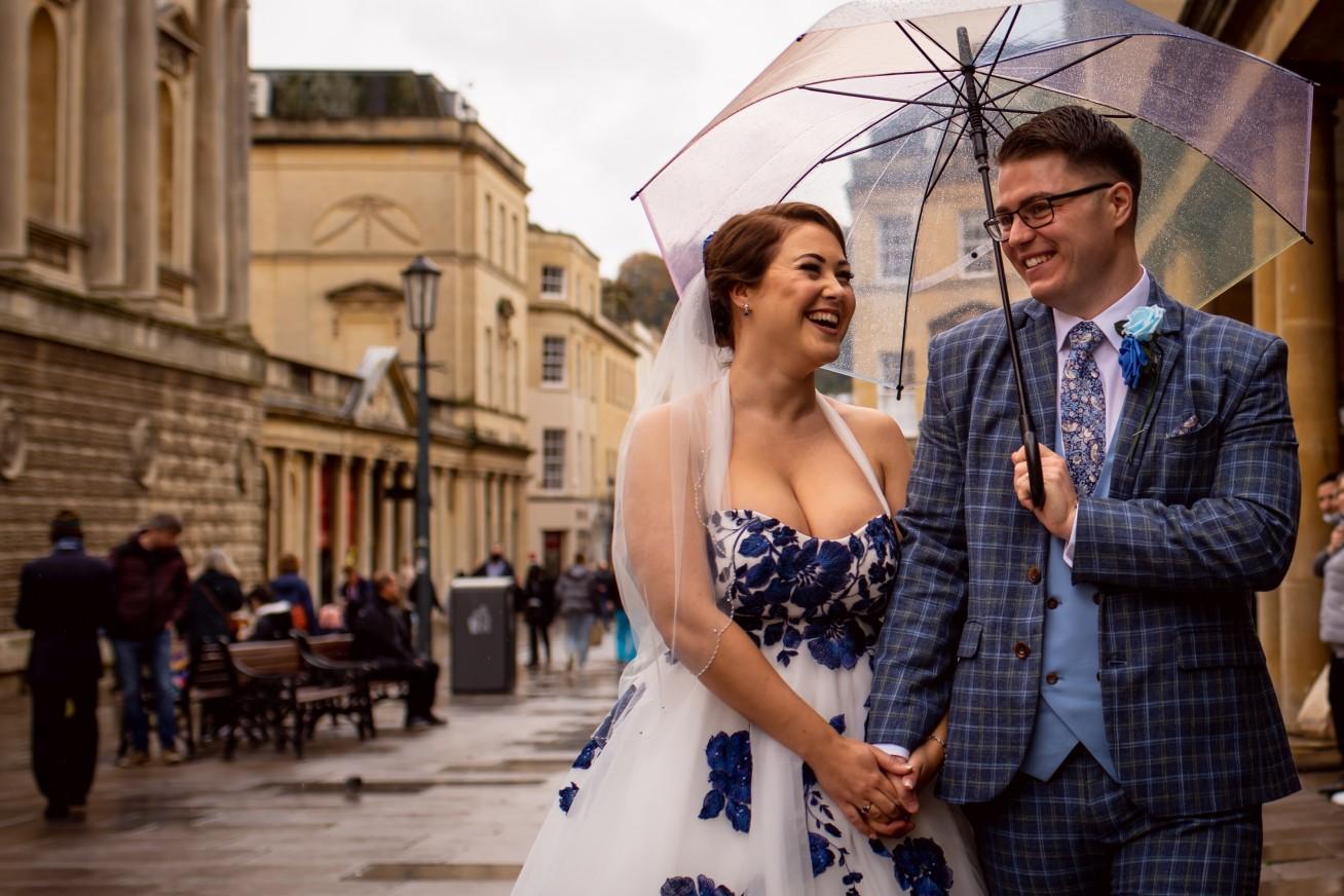rainy wedding photos - fun wedding photos - creative covid wedding