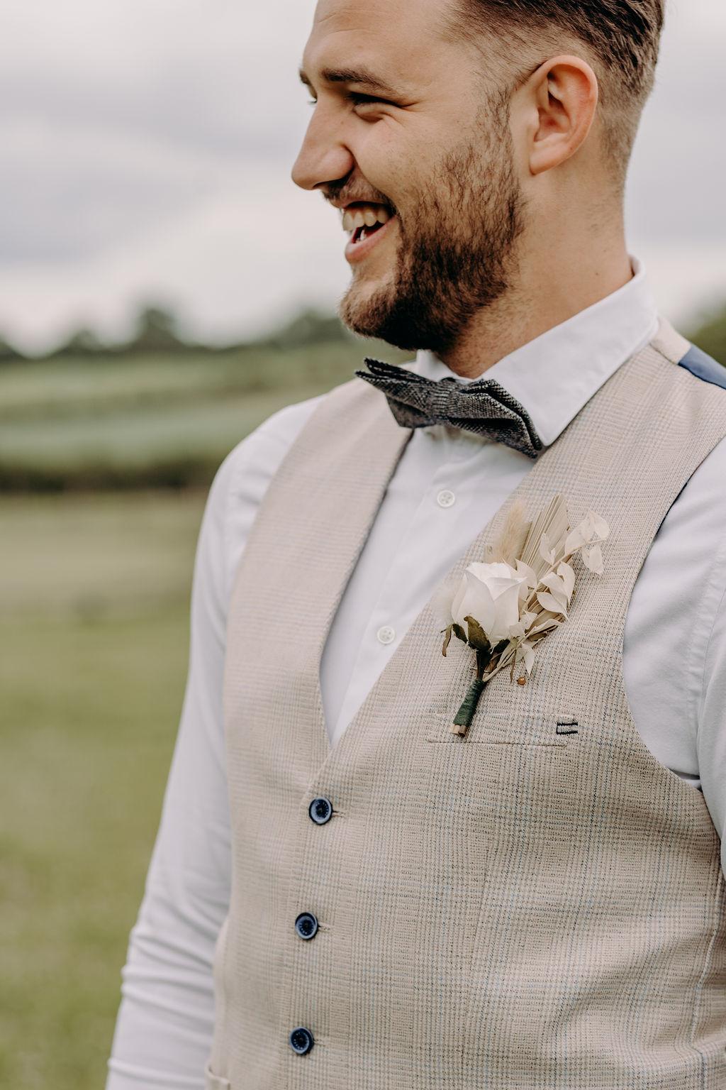 sustainable boho wedding - beige tweed groom's suit - unique grooms wear - boho grooms wear - cream grooms suit