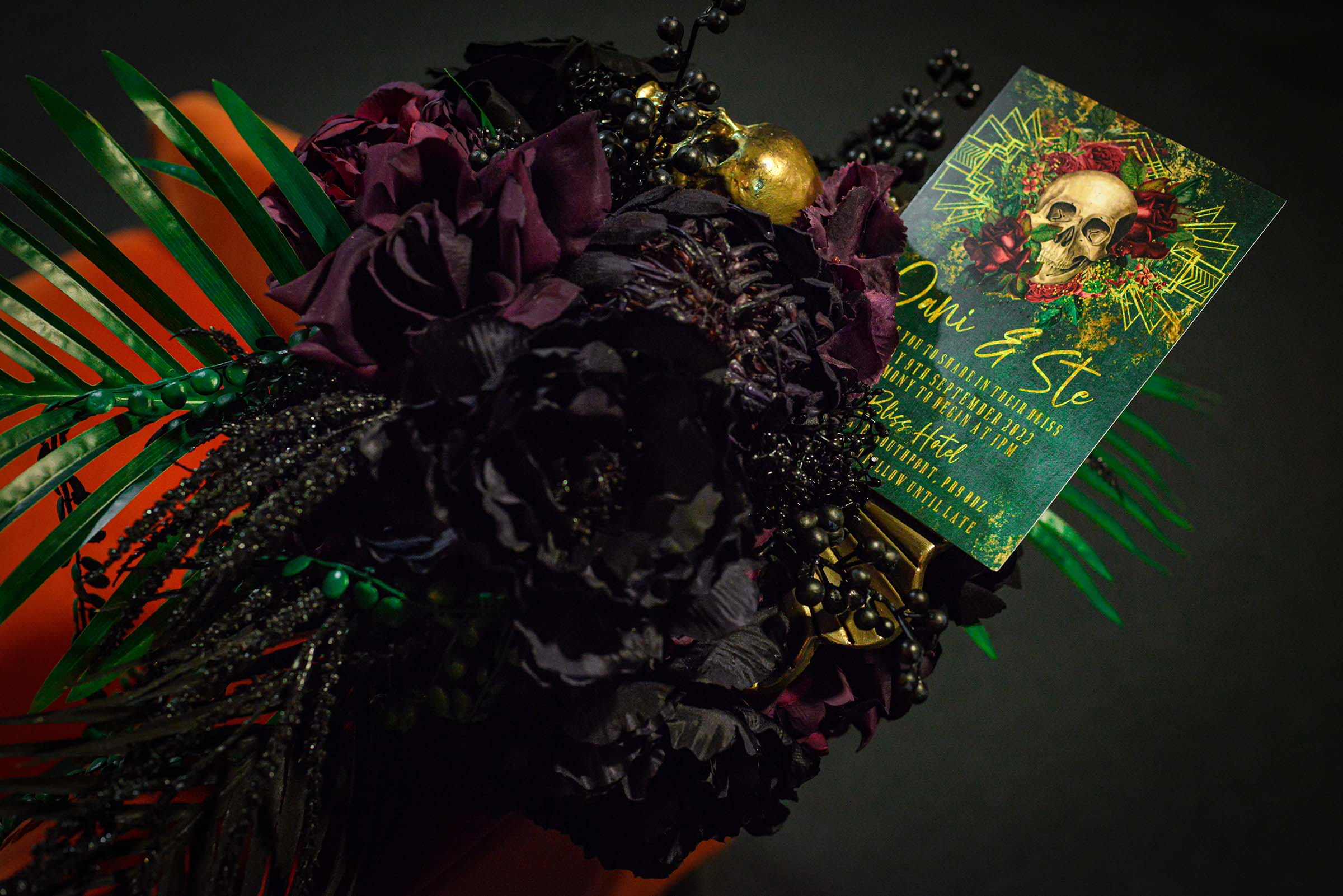 alternative luxe wedding - slytherin wedding - gothic wedding - alternative wedding - gothic wedding bouquet - alternative wedding bouquet - gothic wedding stationery