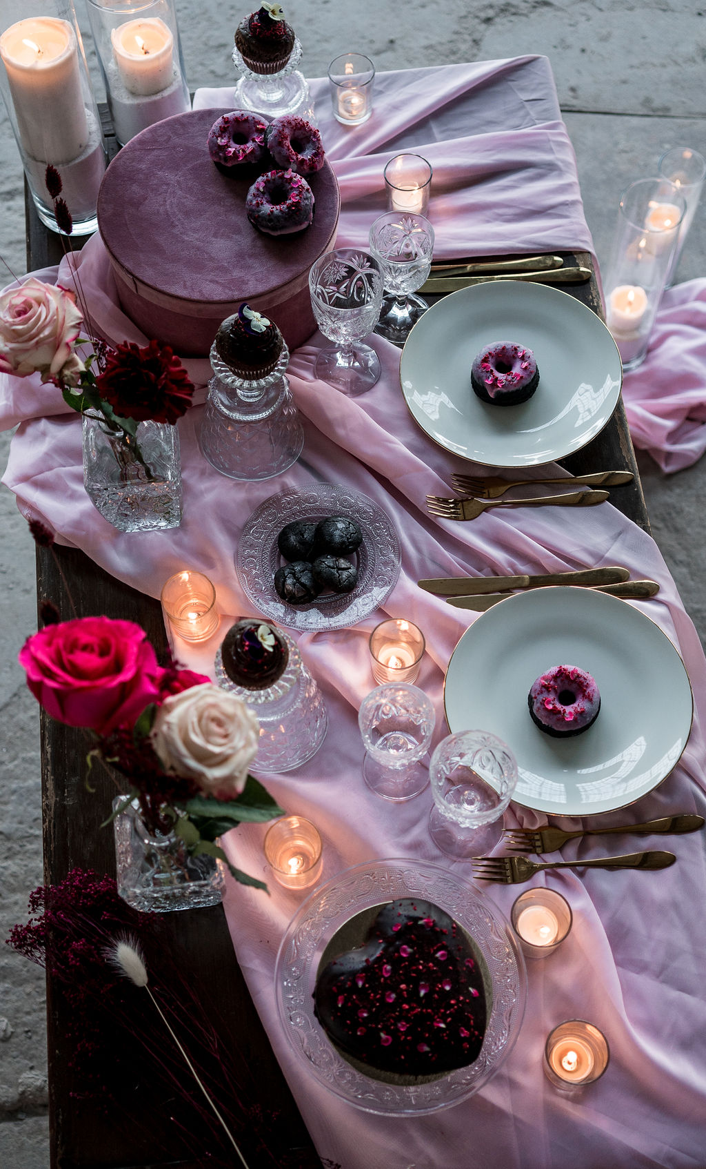 modern industrial wedding - alternative wedding - unconventional wedding - edgy wedding - pink wedding table - relaxed wedding table styling - modern wedding styling