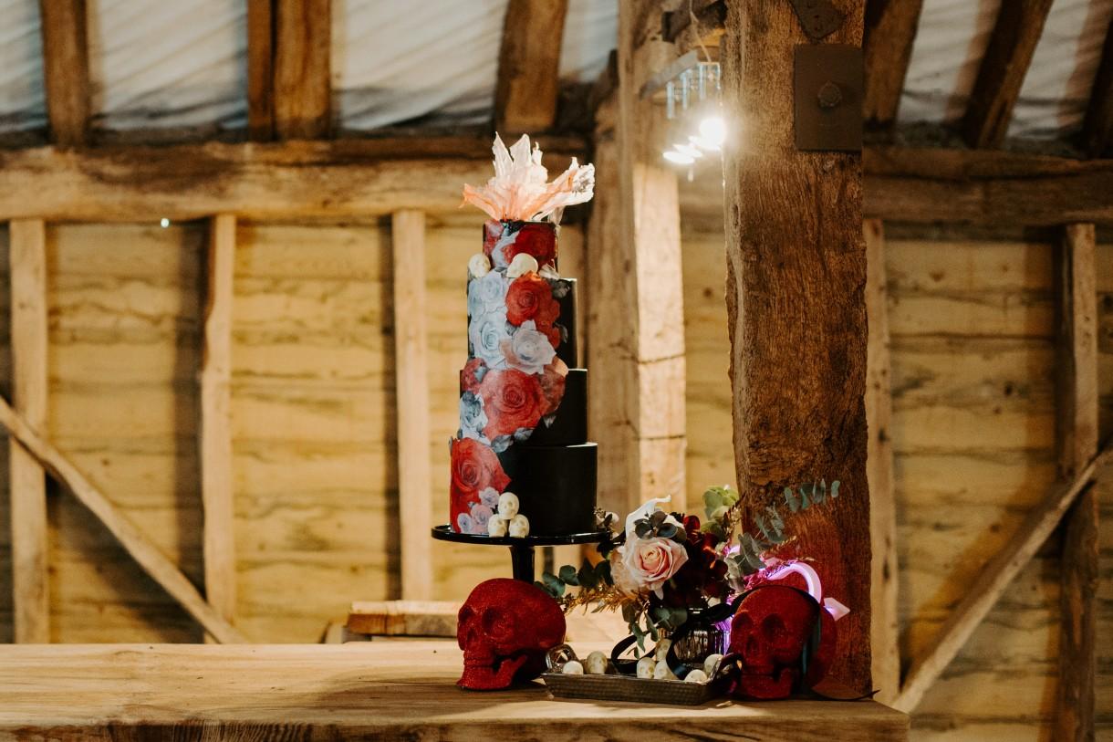 gothic wedding cake - red wedding cake - unique wedding cake - unique wedding cake topper - alternative wedding cake - edgy wedding cake