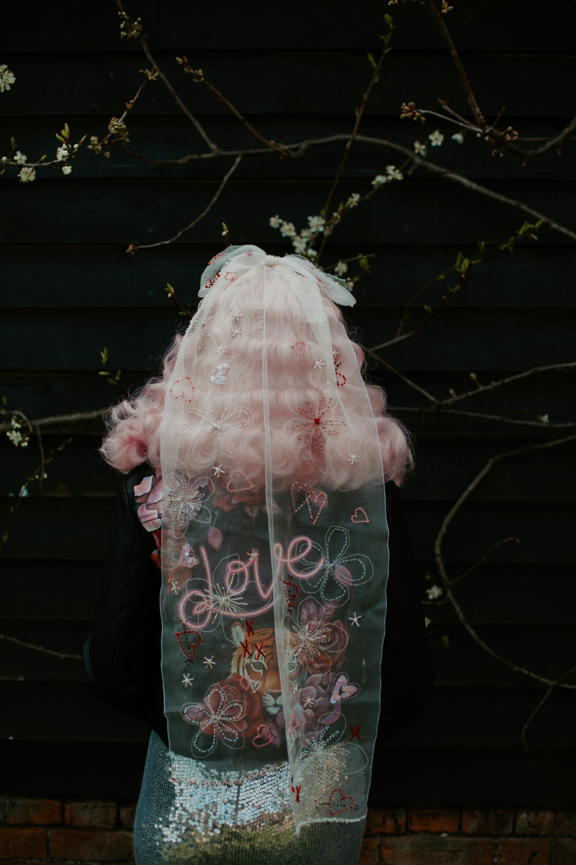 rock and roll wedding - edgy wedding inspiration - unique wedding veil - embroidered wedding veil - wedding hand painted leather jacket