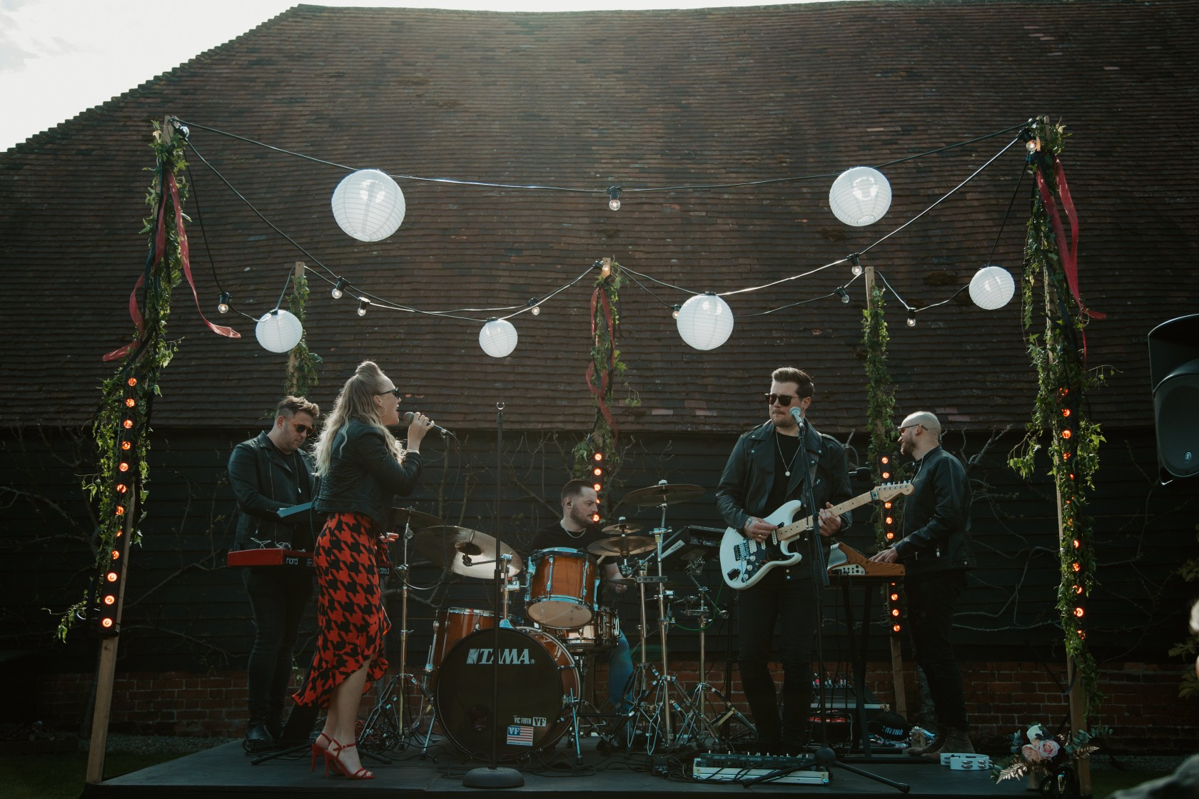 rock and roll wedding - fnkhaus wedding band - rock wedding band - alternative wedding entertainment
