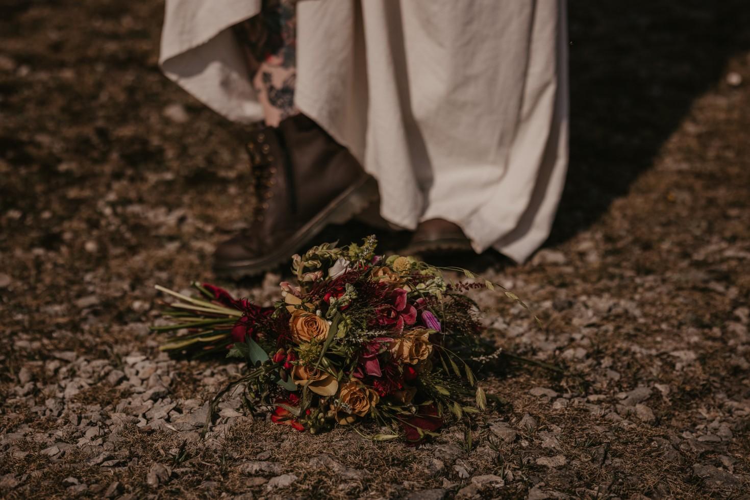 wild wedding - wedding wildflowers - bohemian wedding flowers - boho wedding bouquet - relaxed wedding flowers