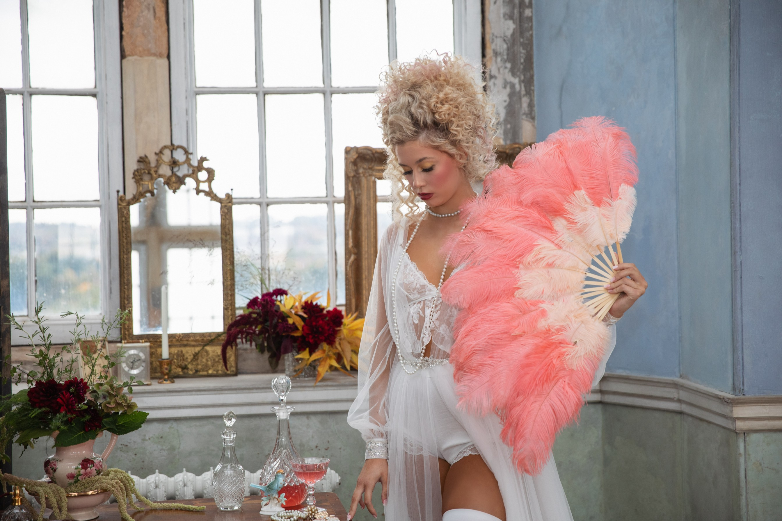 themed wedding - unique bridal hair - alternative bridal look - vintage wedding accessories - vintage bridal underwear