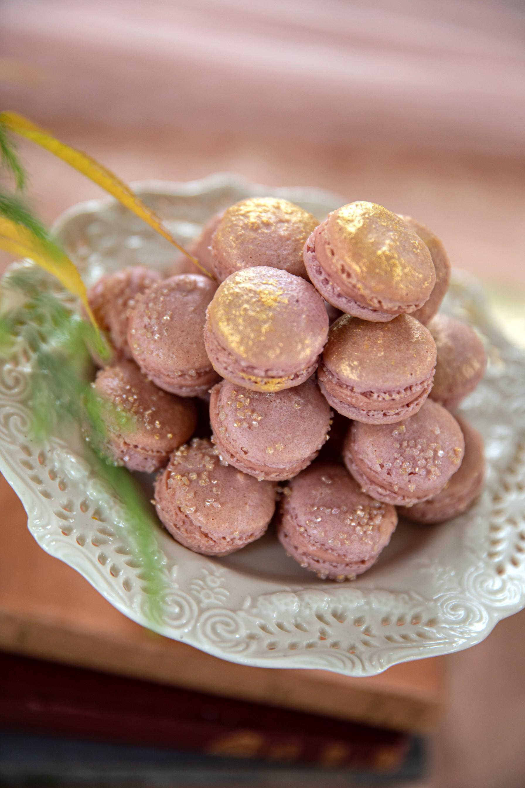 wedding macarons - pink macarons - wedding dessert table