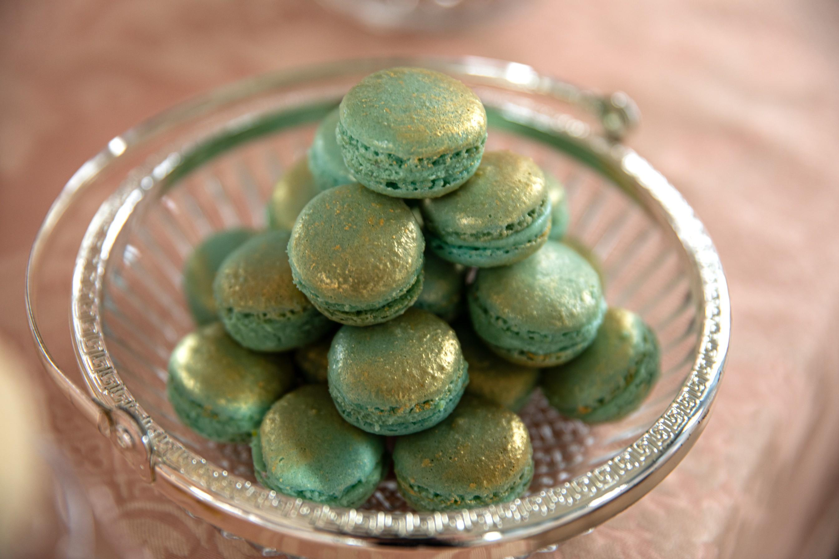 wedding macarons - green wedding macarons - wedding dessert table