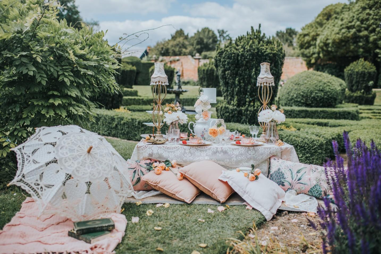 bridgerton wedding - regency wedding - whimsical wedding - vintage wedding- unique wedding ideas - unconventional wedding - unique wedding cake - wedding tea party - vintage wedding styling