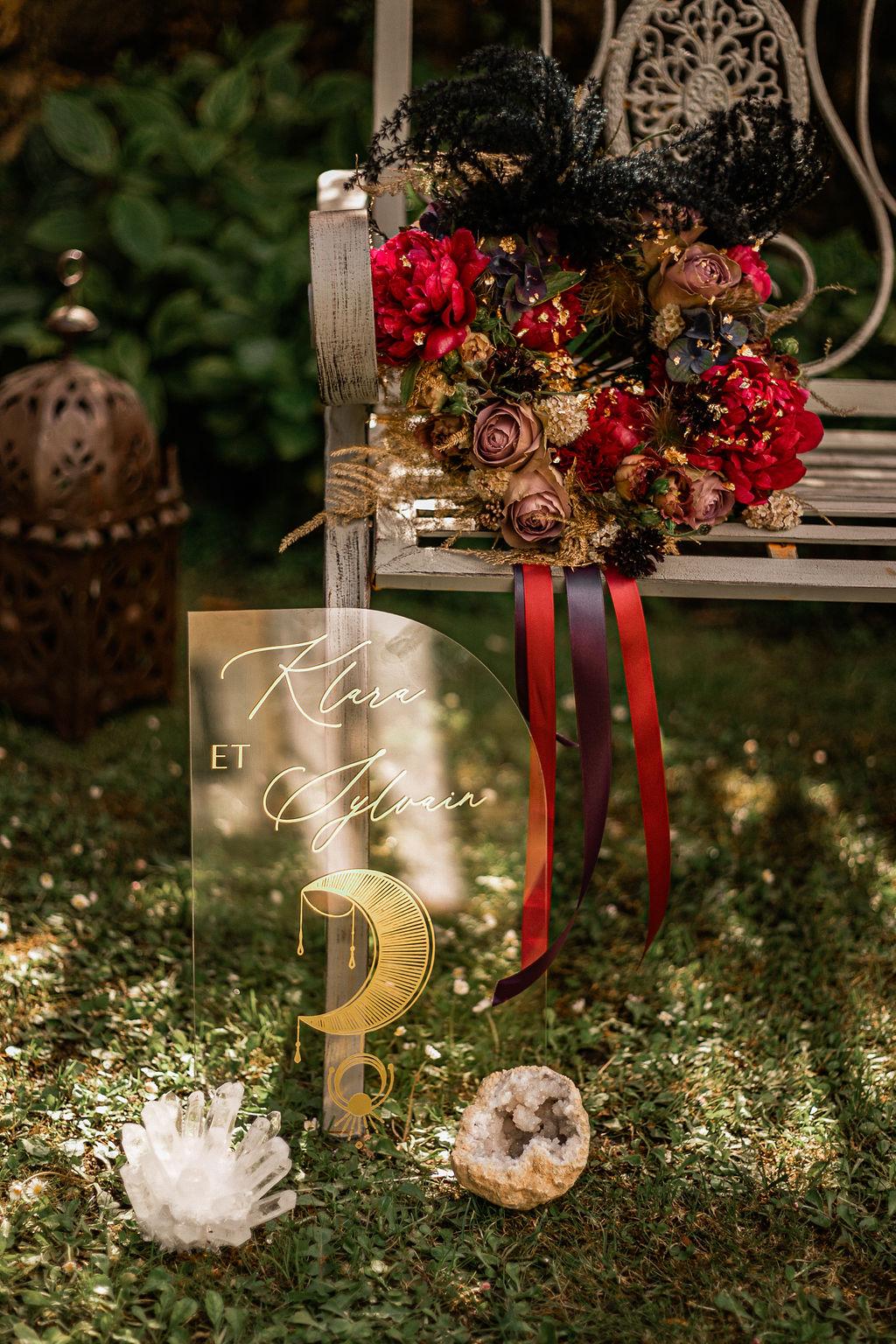alternative celestial wedding - celestial wedding stationery - clear wedding stationery - alternative wedding bouquet