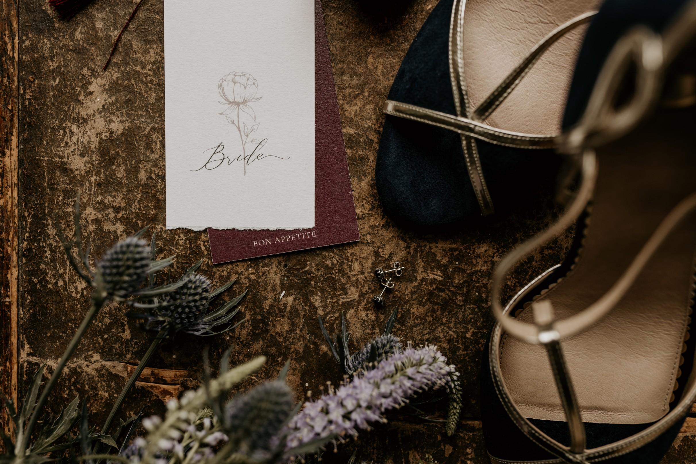 autumn wedding inspiration - peacock wedding inspiration - unconventional wedding