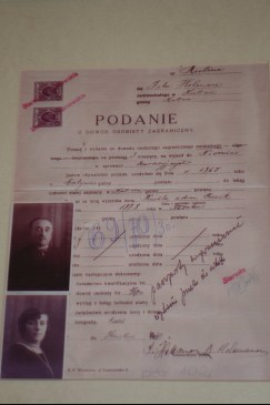 Passport application of Icek and Ruchla Holeman, 1865. In the collection of the Kutno Museum