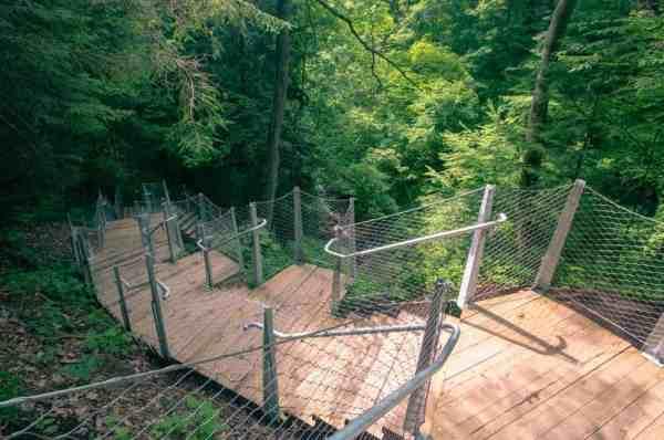 Path to Buttermilk Falls near Route 22 in PA