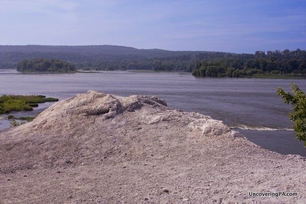 The White Cliffs of Conoy overlooking the Susquehanna River in Lancaster County, Pennsylvania.