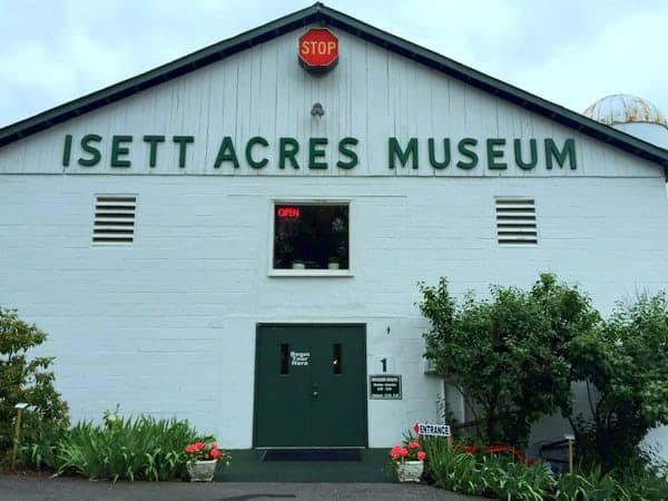 Visiting the Isett Heritage Museum in Huntingdon, Pennsylvania
