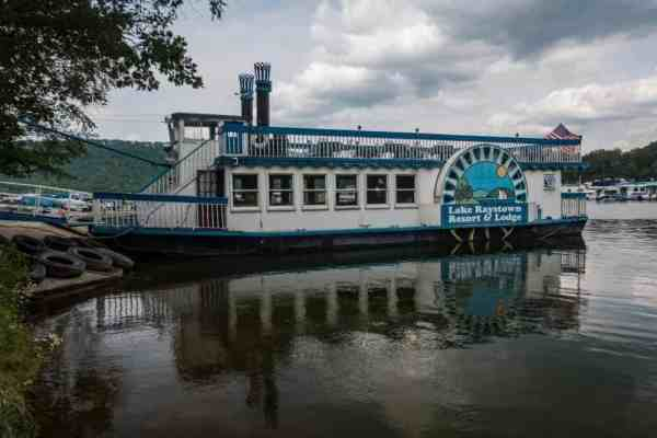 Things to do at Raystown Lake: Proud Mary Showboat at Lake Raystown Resort.