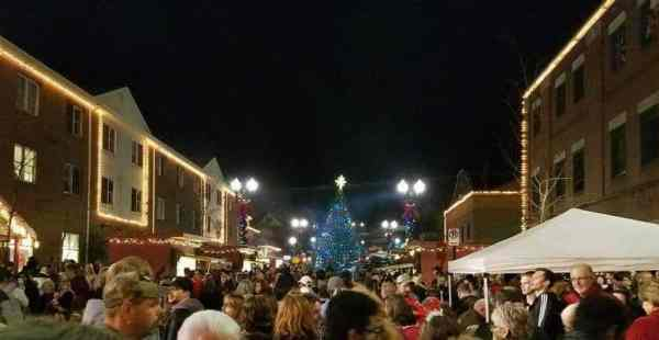 Things to do in Pennsylvania in November: Its a Wonderful Life Festival