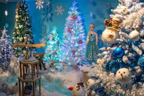 Frozen display at Kraynak's Christmas in PA