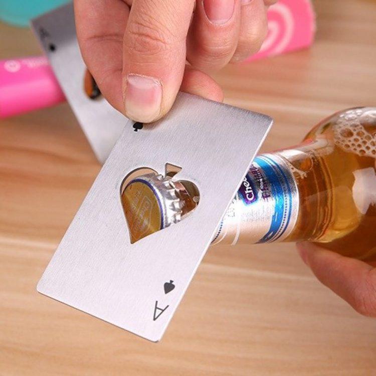 kartu pembuka tutup botol