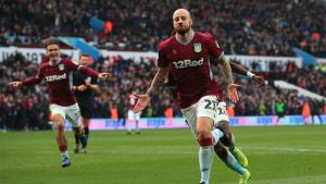 Alan Hutton is a Cult Figure and a Liability
