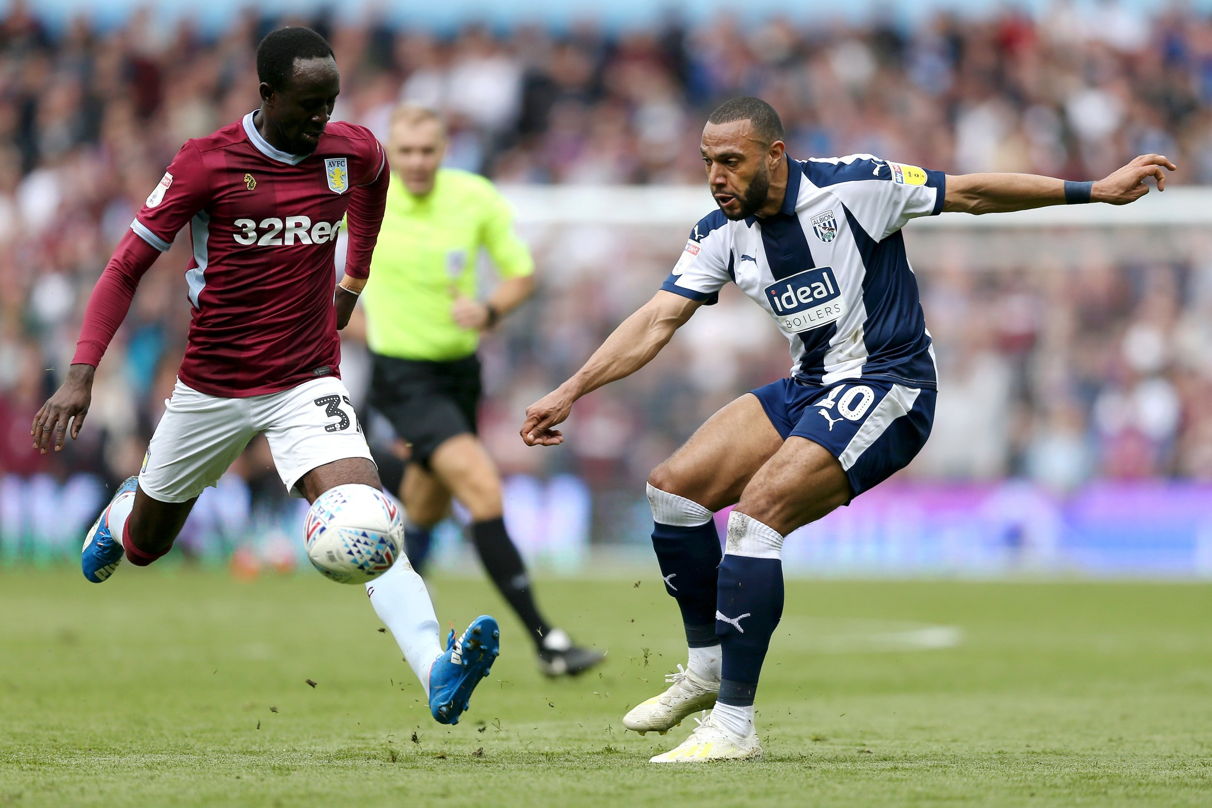 Albert Adomah v Matt Phillips Aston Villa 2 - 1 West Bromwich Albion