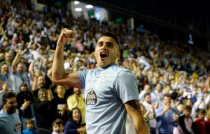Juanfran Talks Highly of Maxi Gómez, Sparking Links to Villa