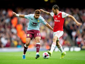 Aston Villa Crumble to Defeat Against Second-Half Gunners Barrage
