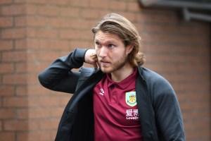 'Utility player' Jeff Hendrick offered to Aston Villa