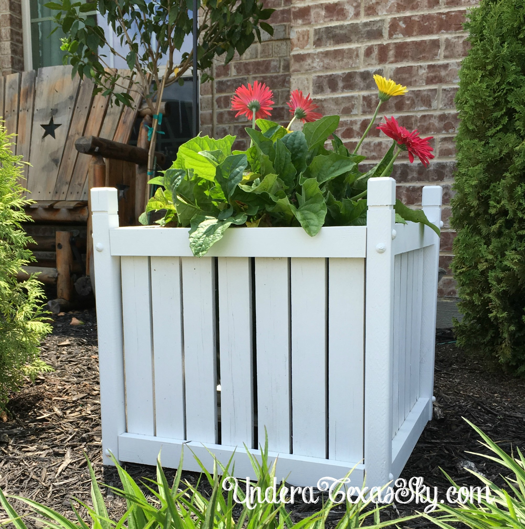 hight resolution of wood planter box