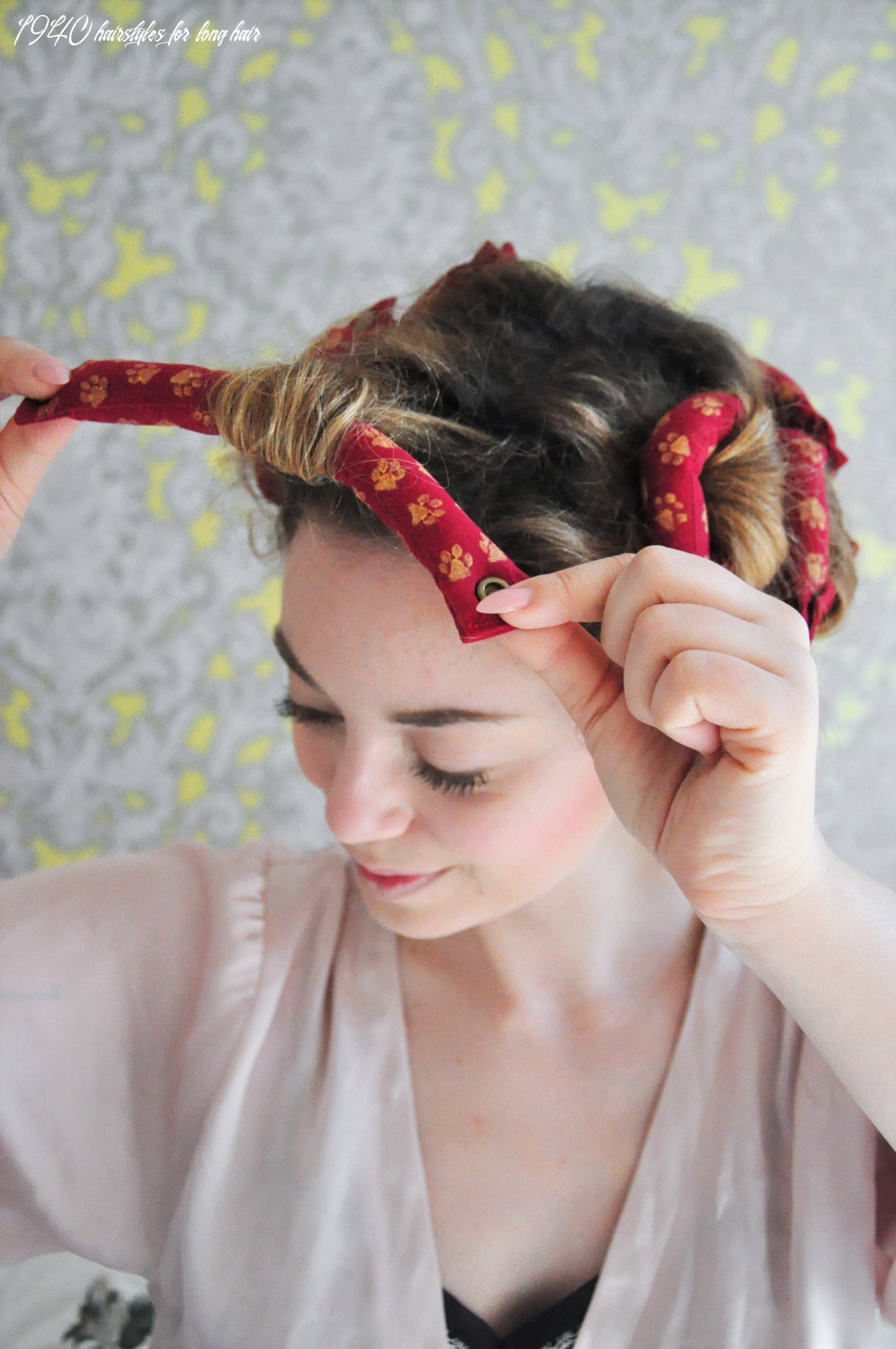 Curly 11s hair - Easy photo tutorial for a vintage 11s hairstyle