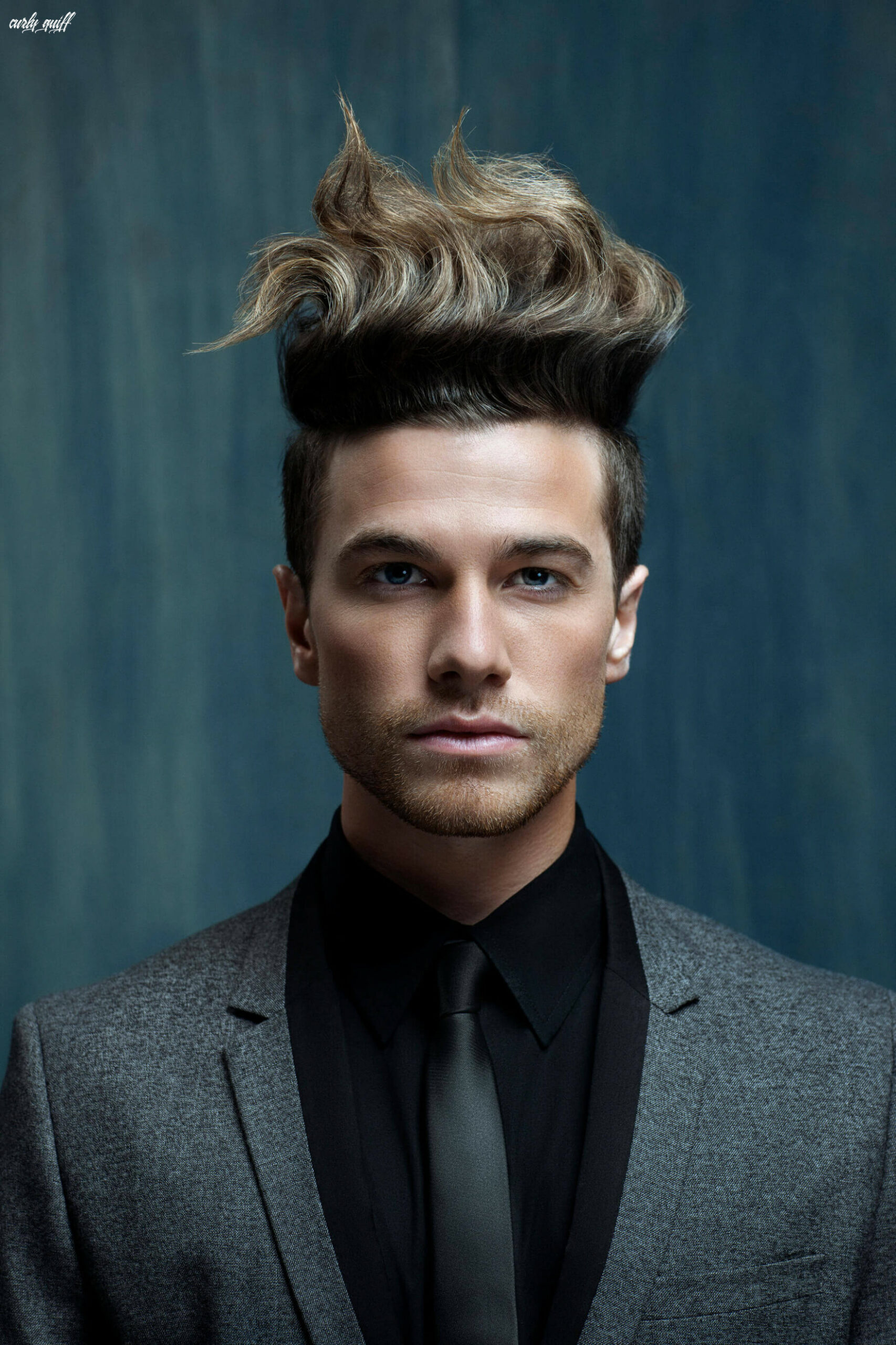 Wavy Quiff for Men: How to Style this Non-Boring Holiday Hairstyle