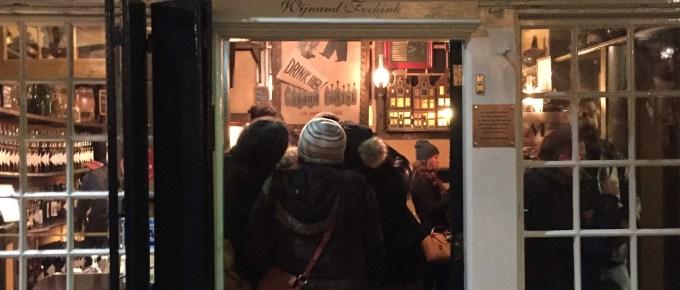 阿姆斯特丹必去景點,300年歷史的荷蘭琴酒老店