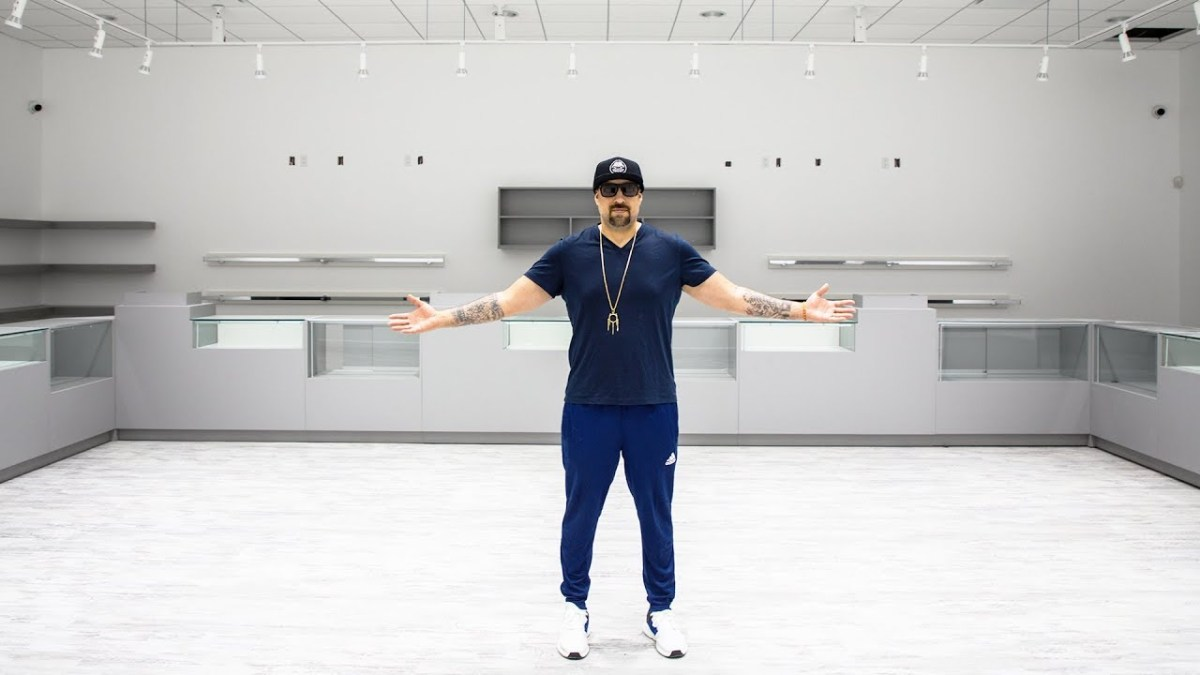 B-Real Of Cypress Hill Opens Dr. Greenthumb Dispensary