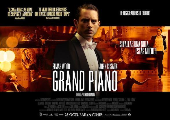 critica-grand-piano-elijah-wood-dando-nota-L-Zb228V