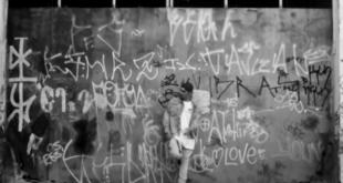 Vídeo: Menestrel Part. Ingles - Candelabro